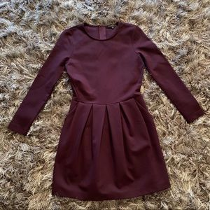 Aritzia Talula Dress Size 4 Burgundy C1